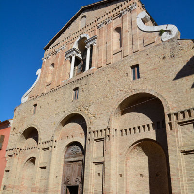 chiesa-pesaro-verticale